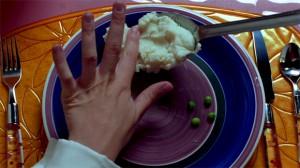 Secretary - Ein Löffel Kartoffelpüree und vier Erbsen