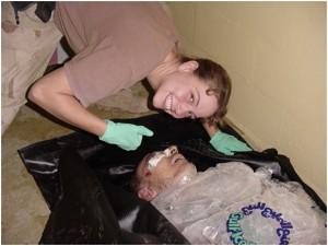 SOP9 - Harman mit Leiche von Al-Jamadi (zu Jacques Lacan, Spaltung von Auge und Blick)